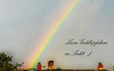 Wildes Wetter mit Regenbogen
